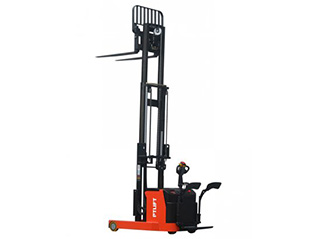 Electric Reach Stacker (two mast)