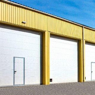 <b>ประตูโรงงาน Industrial Overhead Sectional Doors</b>