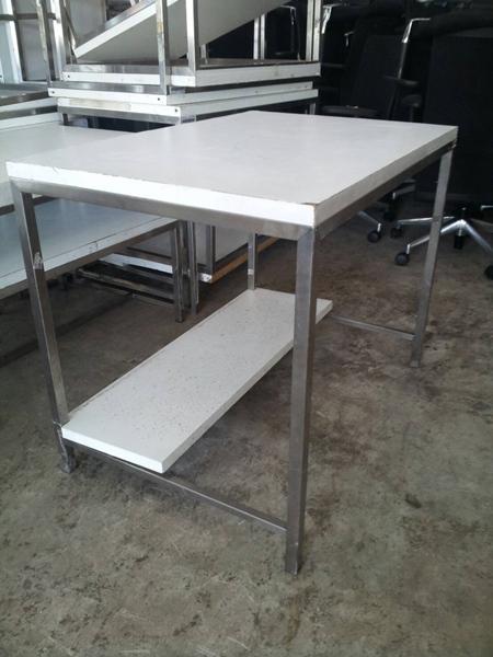 โต๊ะเหล็ก ขายาว
