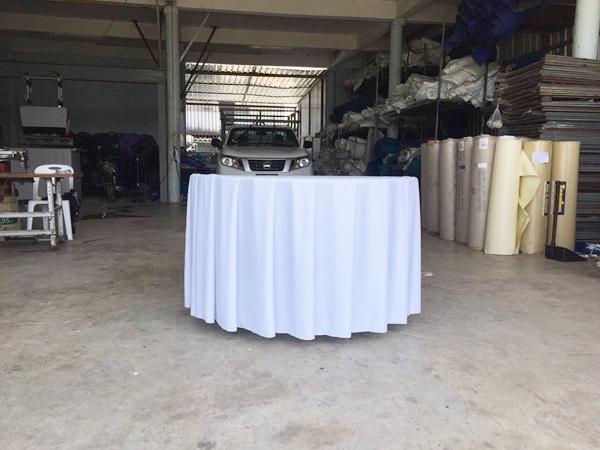 โต๊ะกลมจัดชุดโต๊ะจีน (ผ้าคลุมโต๊ะสีขาว)