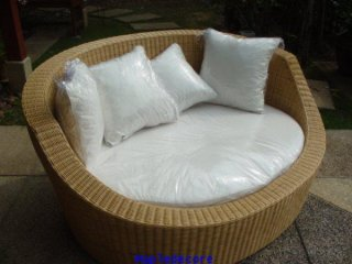 Round Day Bed