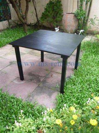 โต๊ะกลางไม้สีดำ