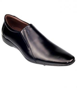 รองเท้าคัชชูหนัง