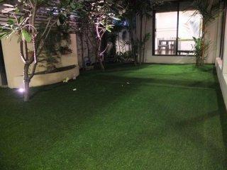 ติดตั้งสนามหญ้าข้างบ้าน