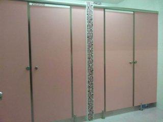 บริการติดตั้งผนังกั้นห้องน้ำ