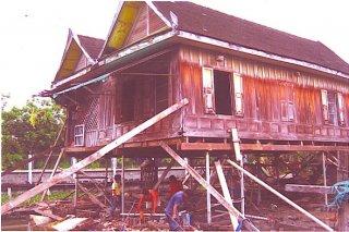 บริการยกอาคารไม้