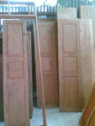รับทำบานประตูไม้โบราณ