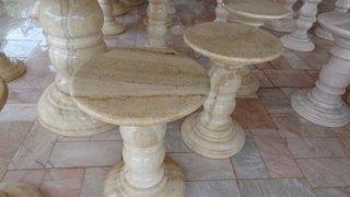 โต๊ะหินอ่อนสีน้ำผึ้งทอง ขนาด 130 ซม. เก้าอี้ 6 ตัว โต๊ะสูง 80 ซม.