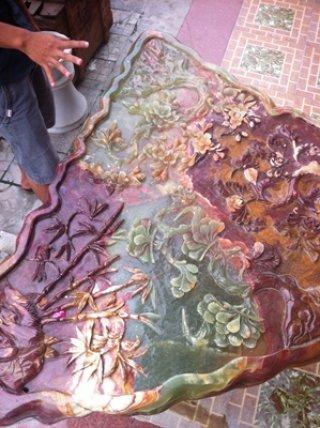 โต๊ะหินอ่อนสีหยกเขียวแกะสลัก ทรงพัด ขนาดกว้าง 100 ซม.