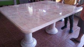 โต๊ะหินอ่อน ทรงสี่่เหลี่ยม ยาว 160 ซม. กว้าง 120 ซม. สูง 80 ซม.