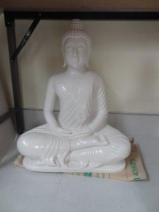 พระพุทธรูปปางสมาธิ หน้าตัก 19 นิ้ว แกะสลักจากหินอ่อนขาว