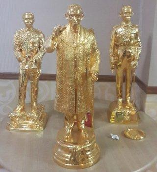งานหล่อทองเหลือง รัชกาลที่ 9 สูง 50 ซม.