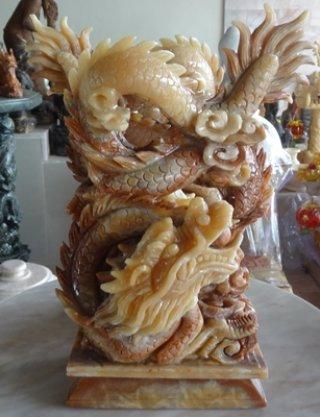 มังกรคาบแก้ว หินหยกน้ำผึ้งแกะสลักขนาด สูง 16  ซม.