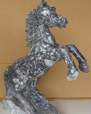 ม้าดำพยศ หินอ่อนแกะสลักขนาด สูง 70 ซม.