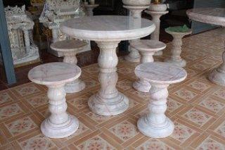 โต๊ะหินอ่อนขนาด 90 ซม. + เก้าอี้ 4 ตัว