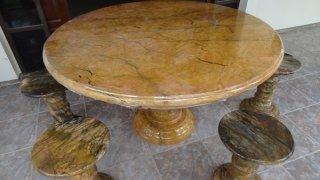 โต๊ะหินอ่อนสีเหลืองลายไม้ขนาด 140 ซม. + เก้าอี้ 6 ตัว