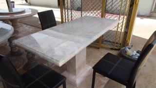 โต๊ะหินอ่อนทรงสี่่เหลี่ยม ขนาด 65x120x80 ซม.