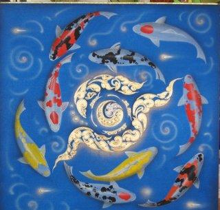 ภาพปลาคราฟไหว้วนหยินหยาง พื้นน้ำ