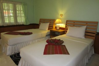 Twin Room with Air Conditioner