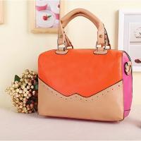 กระเป๋าแบรนด์เนมแบบถือสีสันสดใส