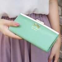 กระเป๋าสตางค์ผู้หญิงหนังเงาสีเขียวมิ้นท์