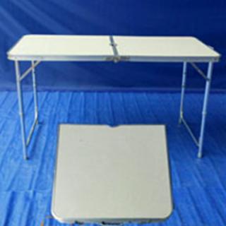 โต๊ะพับอลูมิเนียม