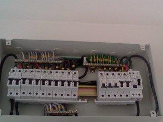 บริการตรวจงานระบบไฟฟ้าคอนโด