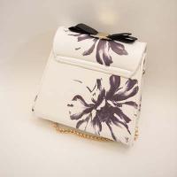 กระเป๋าแฟชั่นเกาหลี สีขาวลายดอกไม้