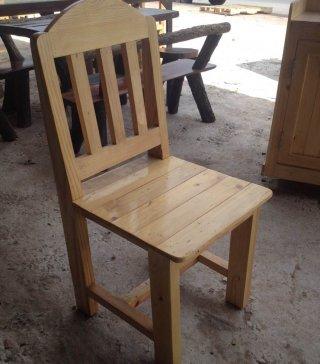 เก้าอี้ไม้สนราคาถูก