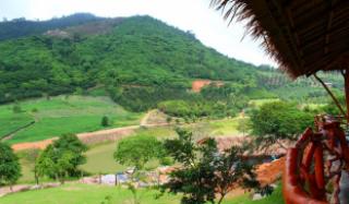 สวนผลไม้ใกล้ทะเล ภูเขา