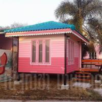 บ้านน็อคดาวน์ หลังคาทรงปั้นหยา ขนาด 3x4 เมตร สีชมพู
