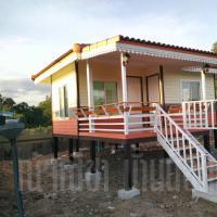 บ้านน็อคดาวน์ หลังคาทรงปั้นหยา ขนาด 4x6 เมตร สีครีม