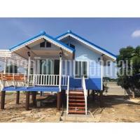 บ้านน็อคดาวน์ หลังคาทรงจั่วมุกซ้อน ขนาดพื้นที่ 48. สีฟ้า