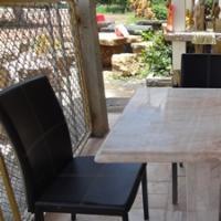 โต๊ะหินอ่อนสี่เหลี่ยม ขนาด 80x80x80 ซม.