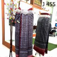 ผ้าไหมทอยกดอก พริกไทย หน้านาง ชายครุย ลูกศรเทา เชิงแดง