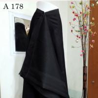 ผ้าไหมทอยกดอกดำ ลายเทพพนมใหญ่ ดำเงา