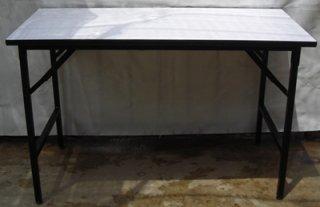 โต๊ะพับอเนกประสงค์ หน้าโฟเมก้าขาว 25 มม. ขาดำ