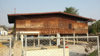 รับซื้อบ้านทรงไทยไม้เก่า