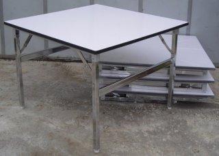 โต๊ะพับหน้าโฟเมก้าขาว สี่เหลี่ยมจัตุรัส