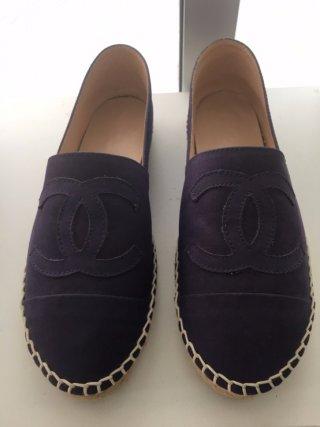รองเท้า Chanel ผ้าใบ สุดชิค