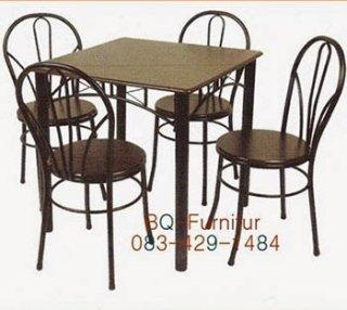 โต๊ะอาหาร รุ่นบองก้าสี่เหลี่ยมจัตุรัส