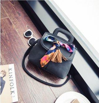 กระเป๋าสะพายข้างแต่งผ้า K-007