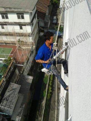 งานโรยตัวซ่อมผนังอาคาร