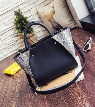 กระเป๋าหนัง ลายหนังงู K-032