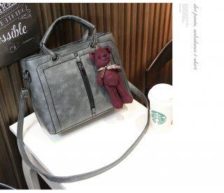 กระเป๋าสะพาย พร้อมตุ๊กตาสุดน่ารัก TB 024