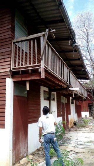 รับซื้อโครงสร้างไม้ห้องแถว