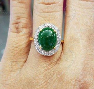 แหวนหยกพม่าแท้ล้อมเพชร