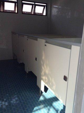 ผนังห้องน้ำลามิเนต