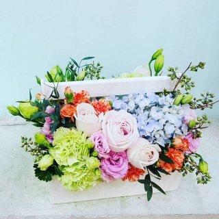 บริการรับจัดกระเช้าดอกไม้