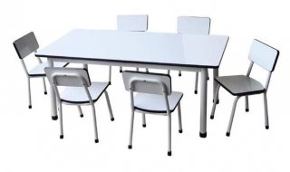 โต๊ะนักเรียนพลาสติก